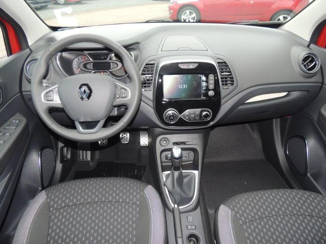 Renault Captur - Intens TCe 90 Anhängerkupplung, Navigation, Rückfahrkamera, 17'' Alufelgen