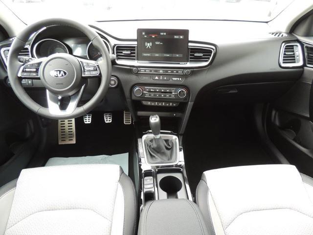 Kia cee'd - 1.4 CVVT Spirit 2019, Anhängerkupplung, Navi, Rückfahrkamera, LED, 17'' Alu, Sitzheiz.