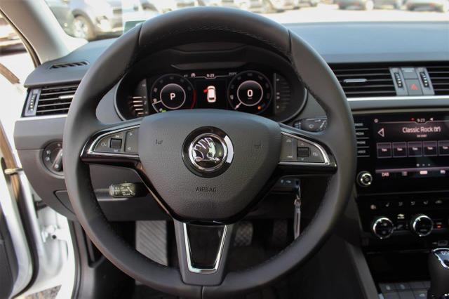 Skoda Octavia Combi 2.0 TSI Style Business DSG Anhängerkupplung, Pano, Rückfahrk., virt. Cockpit, elektr. Heckklappe, DAB
