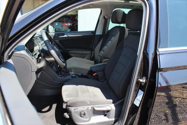 Volkswagen Tiguan 2.0 TSI Highline 4Motion DSG Anhängerkupplung, Panoramadach, Navi, DAB, Rückfahrkamera, 18'' Alu