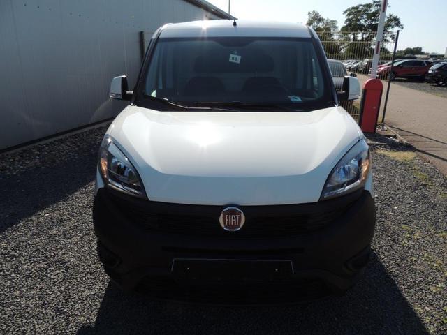 Fiat Doblo 1.3 Multijet Maxi L2H1 Anhängerkupplung, Klimaanlage, Zentralverriegelung, Trennwand m. Fenster
