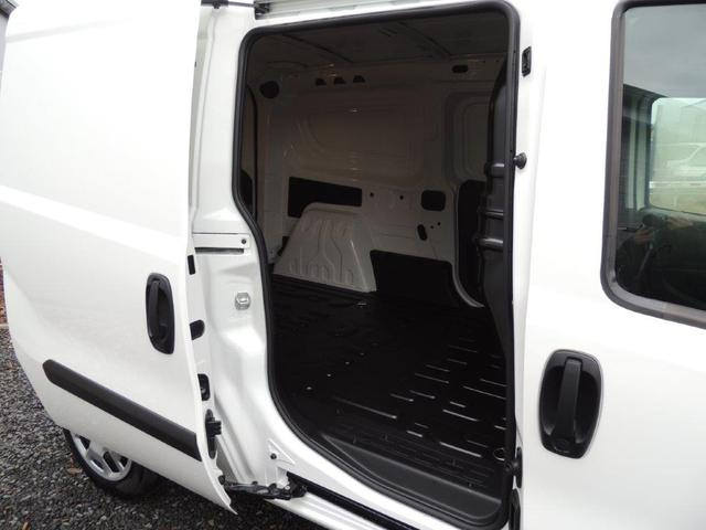 Fiat Doblo 1.4 16V Maxi SX L2H1 Anhängerkupplung, Klimaanlage, Trennwand, ZV m. Fernbed.