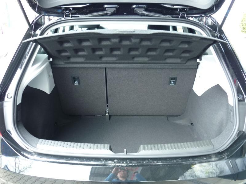 seat leon reference plus 1 6tdi 85kw 115ps eu. Black Bedroom Furniture Sets. Home Design Ideas