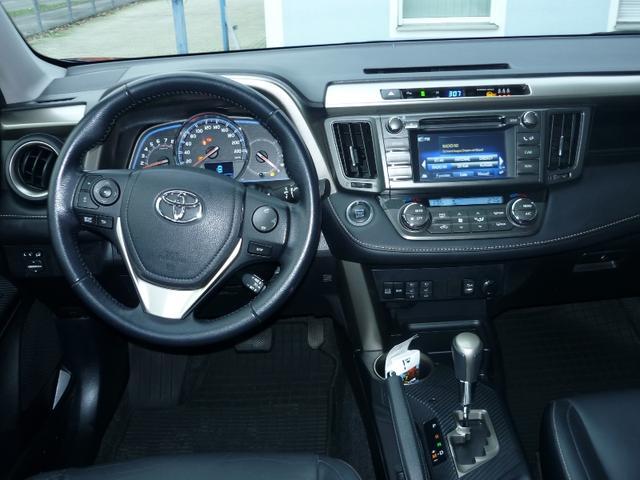 Toyota RAV4 2.0 EXECUTIVE - 4x4 Automatik LEDER