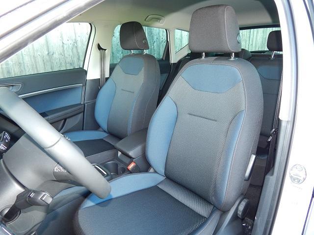 seat ateca advance 2 0 tdi cr 4x4 navi 17 alu pdc led fever auto gmbh. Black Bedroom Furniture Sets. Home Design Ideas