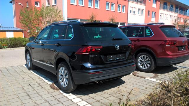"VW Tiguan Comfortline , Fracht frei Haus, 17"" Alu, Bordcomputer in Farbe, Dachreling silbern, Klimaautomatik, Lane Assist, Nebelscheinwerfer, Parkpilot, Radio Composition Media, 8 Lspr., Start-Stop, Tempomat"
