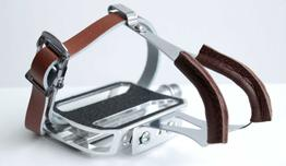 Schindelhauer Pedalhaken Set mit braunem Leder
