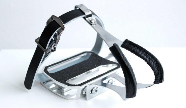 Schindelhauer Zubehör - Pedalhaken mit Lederriemen