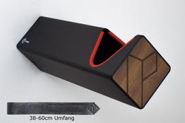 Parax Wandhalter schwarz, lang, mit rotem Kantenschutz und Kebony Holzfront, sowie langem Lederband., Beispielbilder, ggf. teilweise mit Sonderausstattung