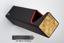 Parax Wandhalter schwarz, lang mit rotem Kantenschutz und Holzfront Olive, sowie kurzem Lederband, Beispielbilder, ggf. teilweise mit Sonderausstattung