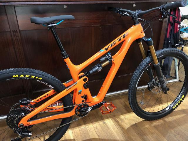 Yeti SB150 Mountainbike mit 150/170mm Federweg und SRAM XO Eagle