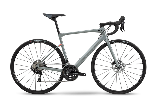 BMC Rennrad Endurance Roadmachine 02 - THREE mit Shimano 105 (2020)