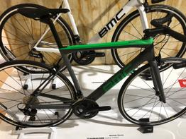BMC Rennrad TEAMMACHINE SLR02 THREE - Modelljahr 2020, Beispielbilder, ggf. teilweise mit Sonderausstattung