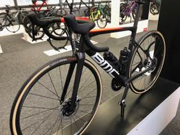 BMC Teammachine SLR01 ONE - Rennrad - Modelljahr 2021, Beispielbilder, ggf. teilweise mit Sonderausstattung