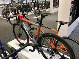 BMC Teammachine SLR01 TWO - Rennrad - Modelljahr 2021, Beispielbilder, ggf. teilweise mit Sonderausstattung