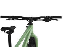 BMC BLAST 24 MASSGESCHNEIDERTE ERGONOMIE Für ein komfortables und natürliches Fahrgefühl sind Lenker, Bremshebel, Kurbel und Sattel exakt auf die Ergonomie von jungen Fahrern abgestimmt.