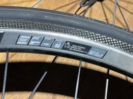 DT-Swiss Laufradsatz RRC32 Dicut Carbon für Felgenbremse, Beispielbilder, ggf. teilweise mit Sonderausstattung