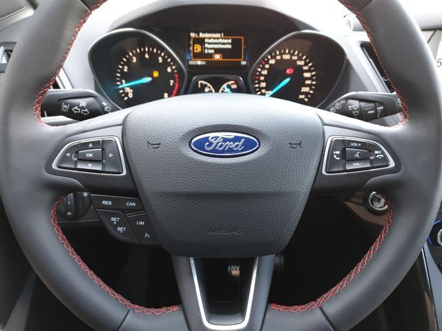 Ford Kuga 1.5 150PS EcoBoost ST-Line VOLL-Ausstattung Klimaautomatik Navi Sitzheizung Lenkrad beheizbar 19''LM elekt.Heckklappe Xenon Rückf.Kamera elekt.PanoGlasdach