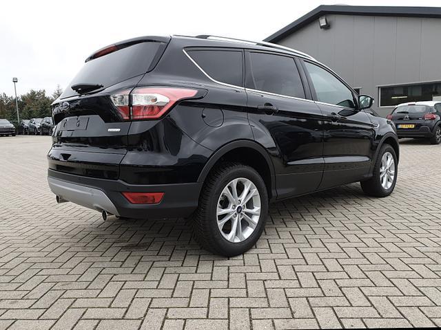 Ford Kuga 1.5 150PS Ecoboost Titanium Voll-Leder Klimaautomatik Sitzheizung Navi Rückf.Kamera PDC Allwetter-R. Keyless starten&öffnen