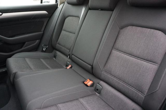 Volkswagen Passat 1.5 TSi 150PS DSG Comfortline VOLL-LED Navi Klimaautomatik Sitzheizung elekt.Fahrersitz (ergoComfort)