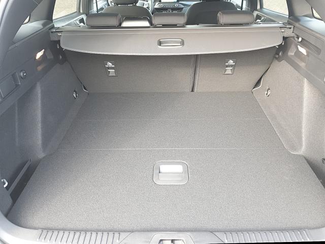 Ford Focus 1.0 EcoBoost 125PS ST-Line Klimaautomatik Navi Sitzheizung Lenkradheizung Frontscheibe beheizb. 18''LM Rückf.Kamera