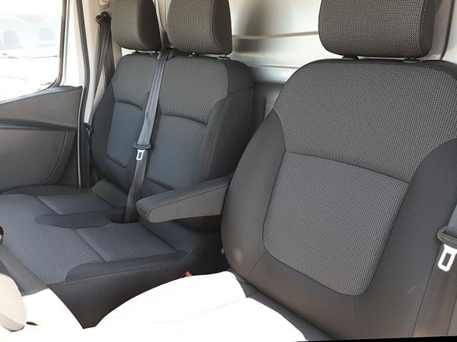 Trafic Kastenwagen L2H1 2.0 dCi 120PS Komfort 3,0t 3-Sitzer Klima Navi Bluetooth Voll-LED Parksensoren Tempomat ZV-Fernb. 2 elekt.Fensterh. elekt. beheizb. Außenspiegel 2x Flügeltüren Trennwand