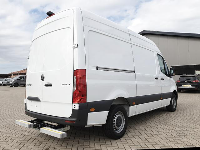 Sprinter 316 L2H3 Hochdach 2.1 CDi 163PS Auto Automatik Heckantrieb 3,5t 3-Sitzer Klimaautomatik Anhängerkupplung Navi PDC v+h Rückf.Kamera Tempomat