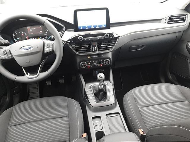 Kuga 1.5 150PS Titanium Sitzheizung v+h Anhängerkupplung Klimaautomatik Lenkradheizung Frontscheibe beheizb. Navi PDC Keyless