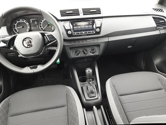 Skoda (EU) Fabia Combi 1.0 TSI 95PS DSG Ambition Sitzhei Sitzheizung Klima Skoda-Radio mit Bluetooth Apple CarPlay Android Auto Dachreling PDC LM-Felgen Nebelsch.