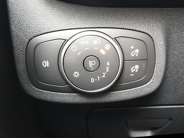 Fiesta 1.1 85PS Trend 5-Türig Klima Navi PDC Bluetooth Allwetterreifen