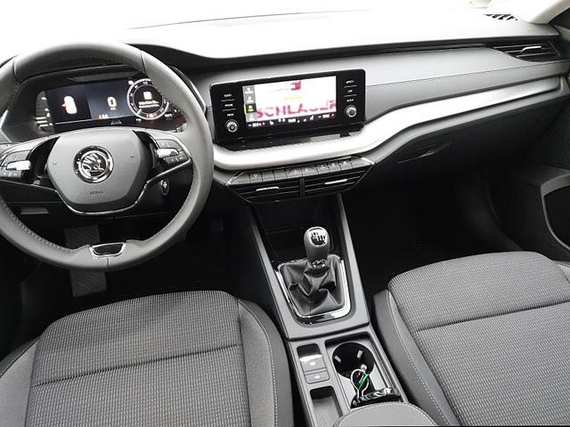 Skoda Octavia Combi 1.5 TSI 150PS Ambition NEUES MODELL Voll-LED Sitzheizung Klimaautomatik Skoda-Radio Swing 8''-Touch-Bildschirm DAB+ mit Bluetooth Apple CarPlay Android Auto PDC
