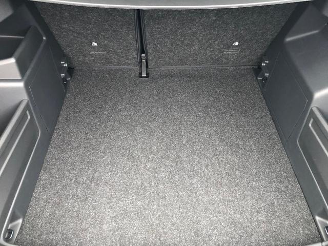 Fabia Combi 1.0 TSI 95PS Ambition Sitzheizung Klima Skoda-Radio mit Bluetooth Apple CarPlay Android Auto Dachreling PDC LM-Felgen Nebelsch.