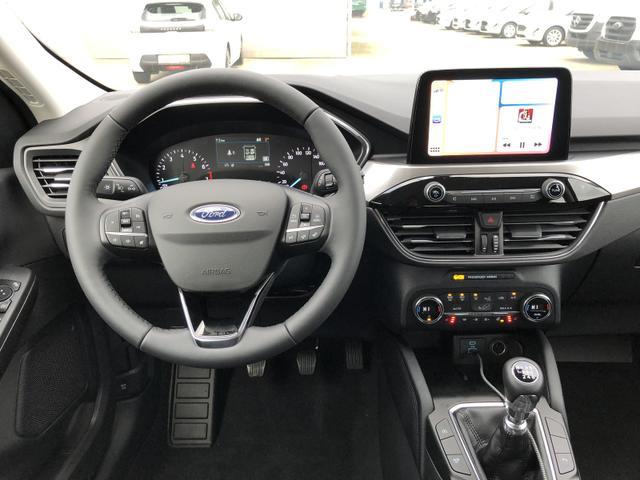 Kuga 1.5 Ecoboost 150PS Titanium Neues Modell Sitzheizung v+h Klimaautomatik Lenkradheizung Frontscheibe beheizb. Navi PDC Keyless elektr. Heckklappe