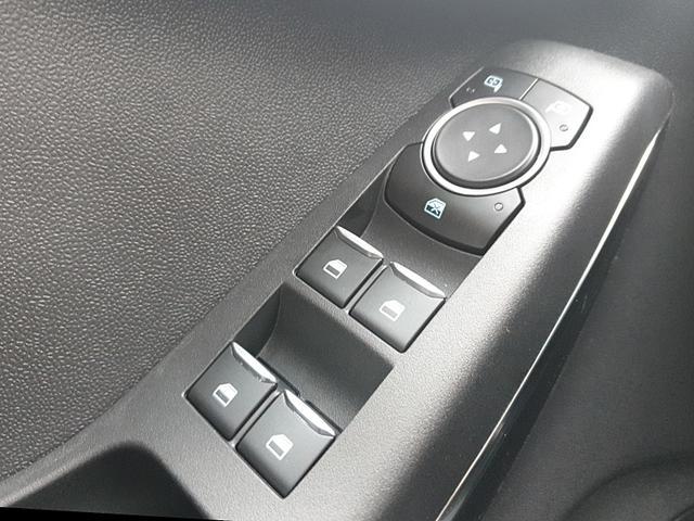 Fiesta 1.0 EcoBoost 95PS ST-Line 5-türig Klimaautomatik Ford-Radio SYNC 3 DAB+ Bluetooth 8''-Touchscreen Apple Carplay Android Auto Sitzheizung Lenkradheizung Frontscheibe beheizb. PDC