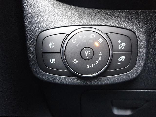 Fiesta 1.0 EcoBoost 95PS ST-Line 5-türig Klimaautomatik Sitzheizung Lenkradheizung Keyless Ford-Radio SYNC 3 DAB+ Bluetooth 8''-Touchscreen Apple Carplay Android Auto Frontscheibe beheizb. PDC
