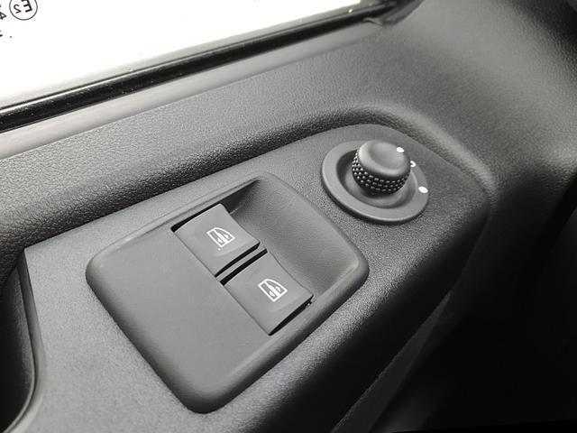 Trafic Kastenwagen L2H1 2.0 dCi 145PS Automatik Komfort 3,0t 3-Sitzer LED-Scheinw. Klima Anhängerkupplung Renault-Navi DAB+ Apple CarPlay Android Auto Bluetooth Parksensoren Rückf.Kamera Tempomat Nebelscheinw. Ga