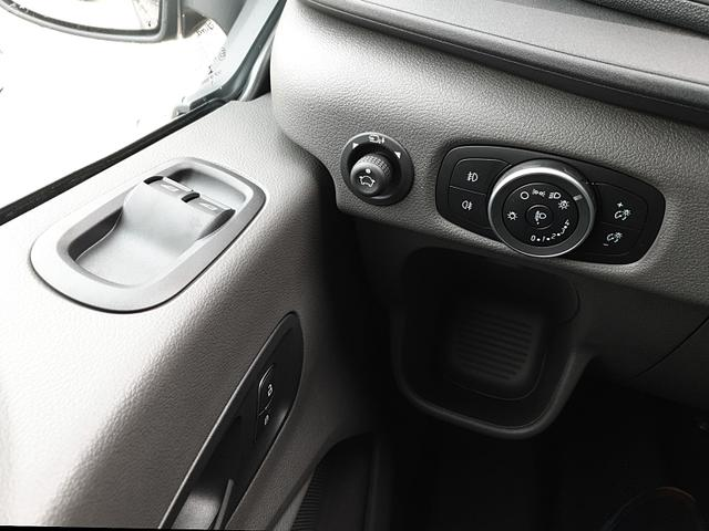 Ford Transit 350 Kombi 9-Sitzer L2H2 2.0 TDCi 170PS Automatik Trend 3,5t Sitzheizung Anhängerkupplung Klima Ford-Radio SYNC 3 DAB+ Bluetooth 8''-Touchscreen Apple Carplay Android Auto PDC v+h Rückf