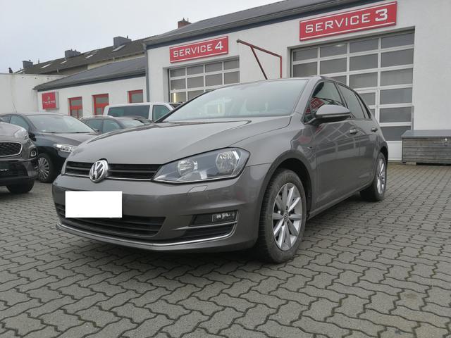 Volkswagen Golf - VII Lim. 110PS Lounge - AHK/Tempomat/SHZ/PDC/Climat./Sofort