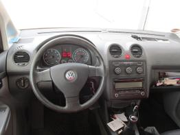 VW_Caddy_Maxi_Cockpit_01
