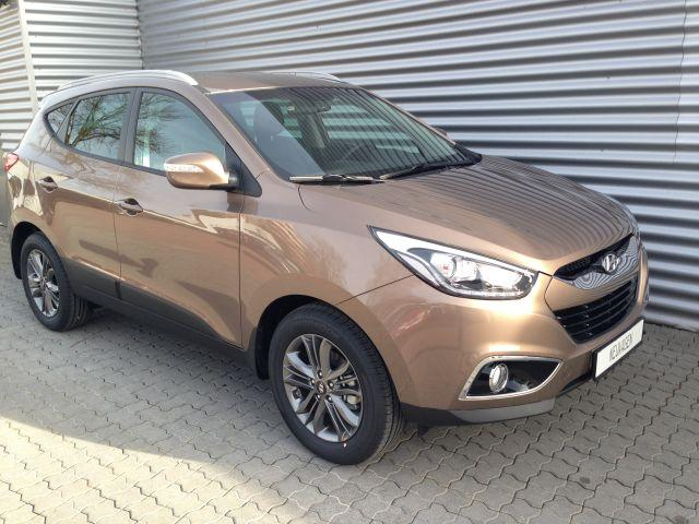 Hyundai ix35 - Premium 2, 0 CRDI 4WD AT 100 kW, Klimaautomatik, Alufelgen 17 Zoll, Navigationssystem mit Rückfahrkamera, Xenon, Teil Lederausstattung, Zentralverriegelung