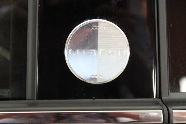 Fiat 500C Mirror, 111 Passione Rot, 353 Stoff Schwarz mit Einsätzen aus Vinyl Dach Schwarz,