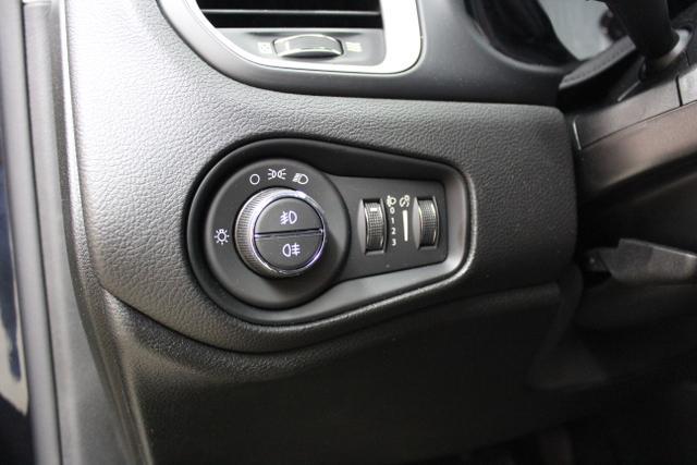 Jeep Renegade 1.4l MultiAir  103 (140 )  Front 6-Gang- Schaltgetriebe,876-5CE CARBON BLACK009- Stoff schwarz/schwarz,