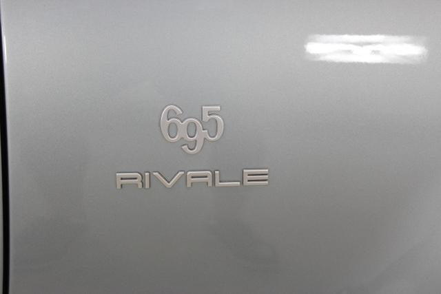 595C 695 CABRIO Rivale 1,4 T Jet 132kW 180 PS032 Bicolore Sera Blau/Shark Grau + Aquamarina Zierstreifen494 Leder BlauDach Blau