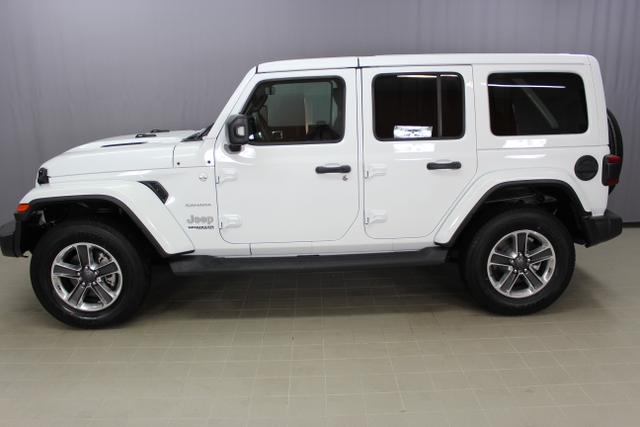 Jeep Wrangler - Unlimited Sahara JL 2.2l CRDi Sie sparen 7.080,00 € 147kW (200PS) 4x4 AT8 Dual Top, Launch Paket, beheiztes Multifunktionslederlenkrad, LED-Ambientebeleuchtung uvm.