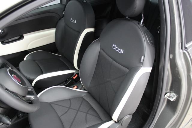 93800 Fiat 500-1.2 8V Sport 51kW (69PS) E6DColosseo Grau Metallic (372)Stoff Sport Schwarz/Weiß, Ambiente Schwarz (724)Limo