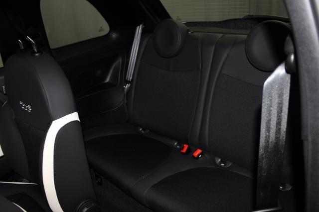 97438 Fiat 500-1.2 8V Sport 51kW (69PS) E6DVesuvio Schwarz Metallic (876)Stoff Sport Schwarz/Weiß, Ambiente Schwarz (724)