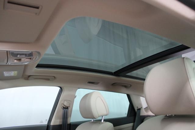 217817 Hyundai Tucson 2,0 CRDI 4 WD 185 PS AT Phantom Black bLeder Beige