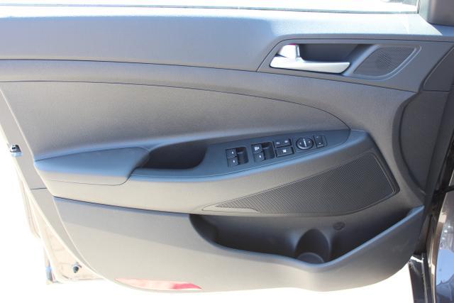 Hyundai Tucson 1,6 GDi 2WD MT Winterpaket 2: Sitzheizung,Beheizbares Lenkrad  BG2WD Moon Rock