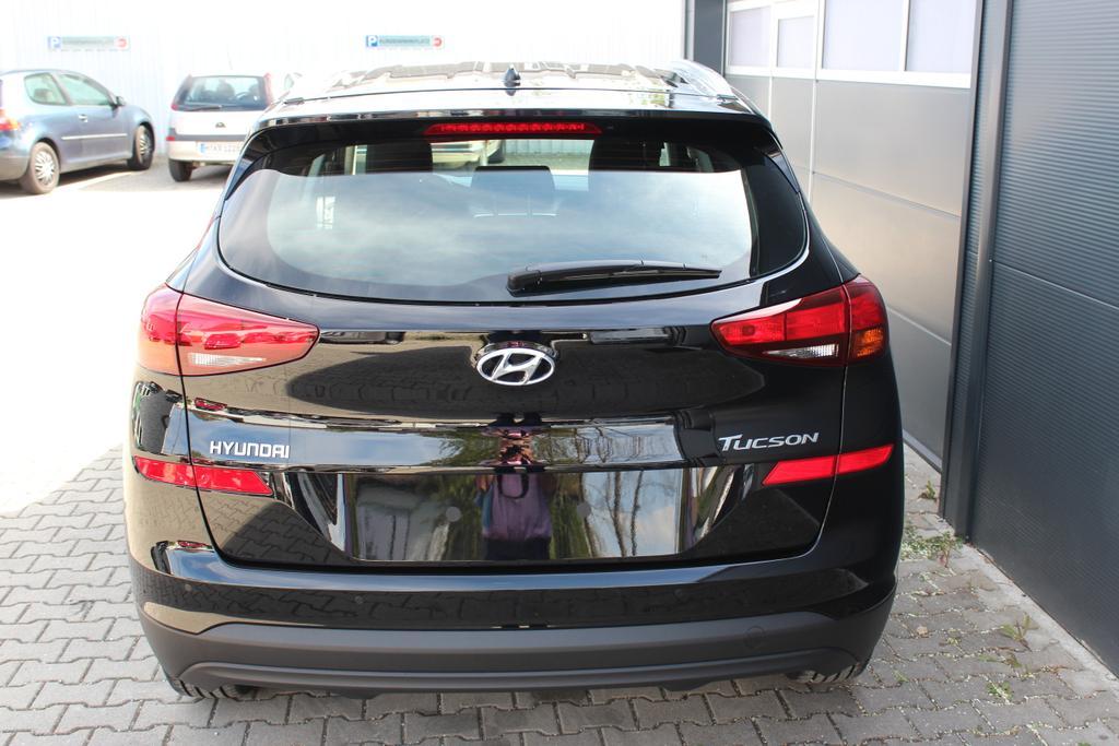 Hyundai Tucson 1,6 GDi 2WD MT Winterpaket 2: Sitzheizung,Beheizbares Lenkrad  BG2WD Phantom Black