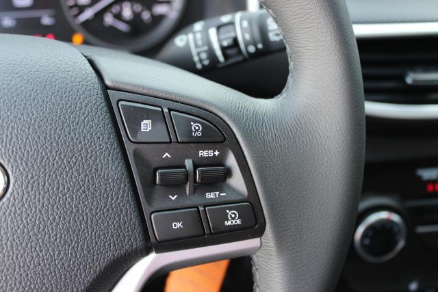 Hyundai Tucson 1,6 GDi 2WD MT Winterpaket 2: Sitzheizung,Beheizbares Lenkrad  BG2WD Polar White